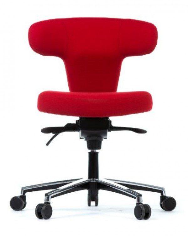 Pisarniški stol Ergo Star za ergonomsko sedenje.