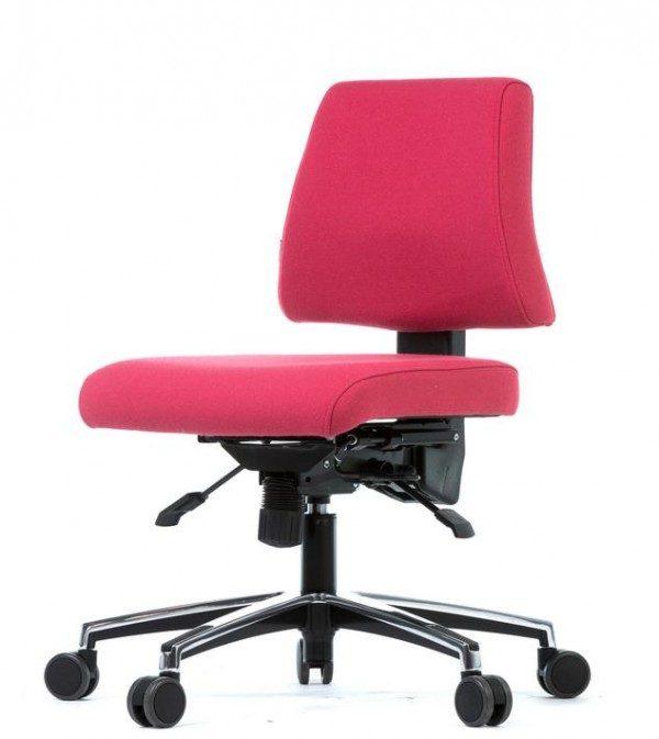 Pisarniški stol SOLLA za udobno in ergonomsko sedenje